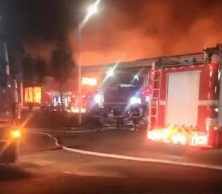 台湾製紙企業 永豊余(中国)揚州工場原紙倉庫で火災発生