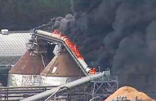 日本製紙秋田工場で火災